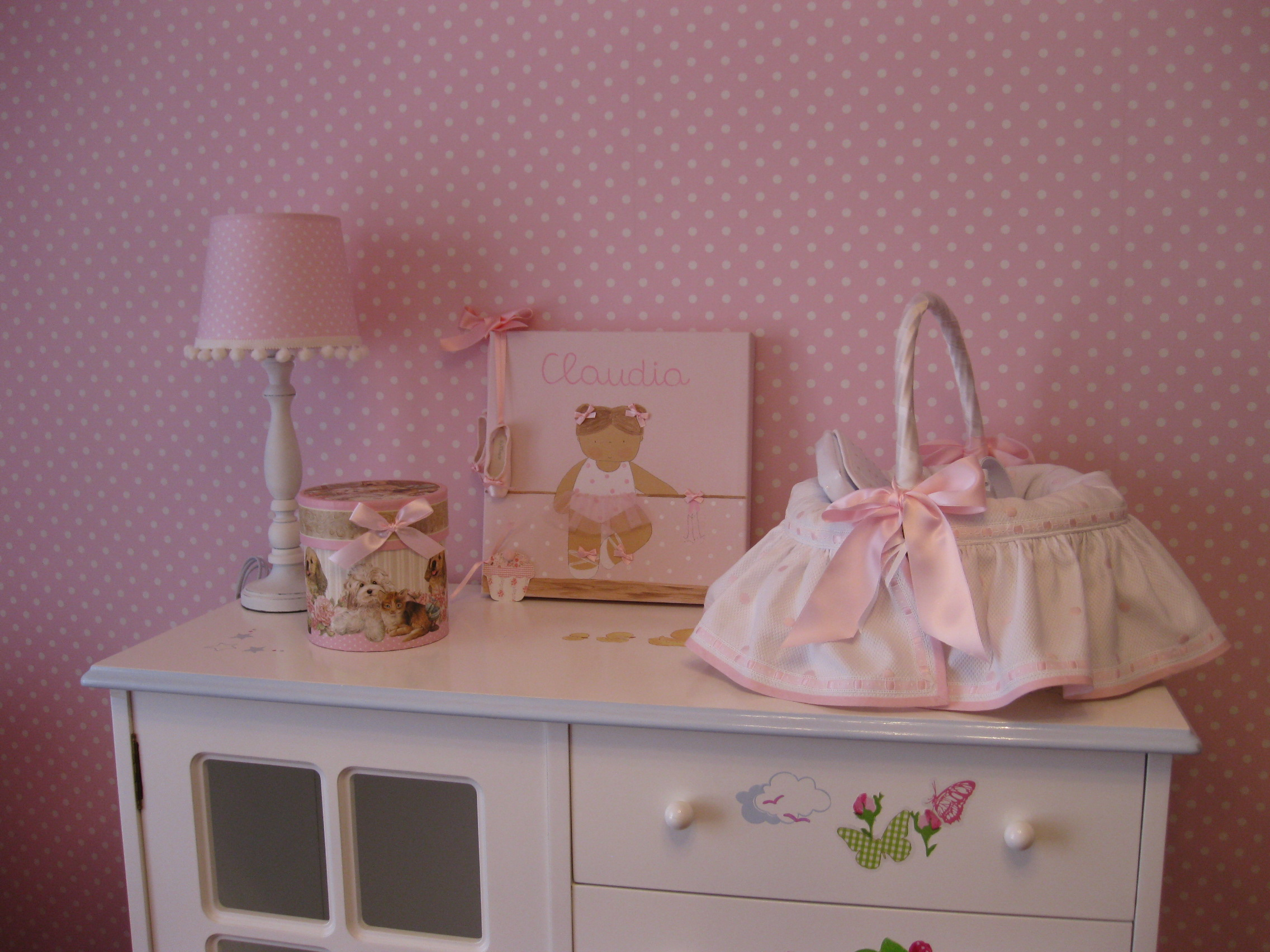 La preciosa habitaci n de claudia villalba interiorismo - Habitacion infantil rosa ...