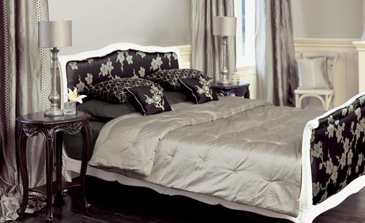 Dobles cortinas en habitación - Villalba Interiorismo