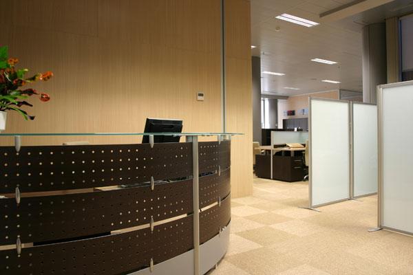 Alfombra Keplan de KP en oficina (2) - Villalba Interiorismo