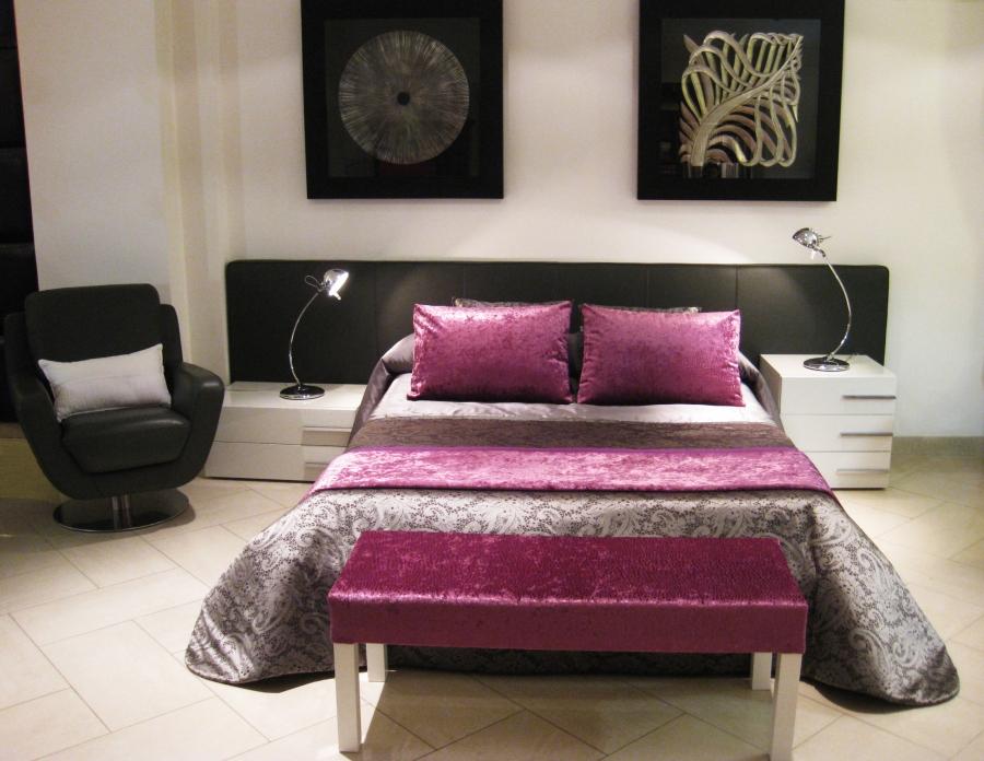 Ambiente simétrico de dormitorio - Villalba Interiorismo