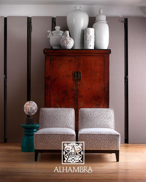 Butacas con tapicería de terciopelo de Alhambra - Villalba Interiorismo