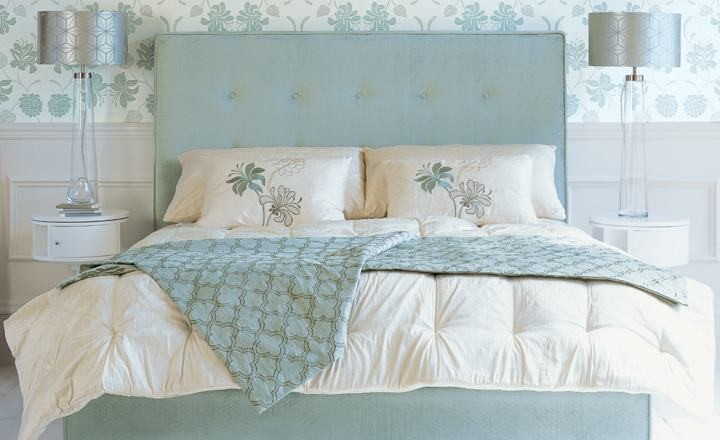 Consejos para colocar cojines en tu cama – Villalba Interiorismo