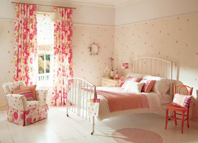 Dormitorio con telas estampadas - Villalba Interiorismo
