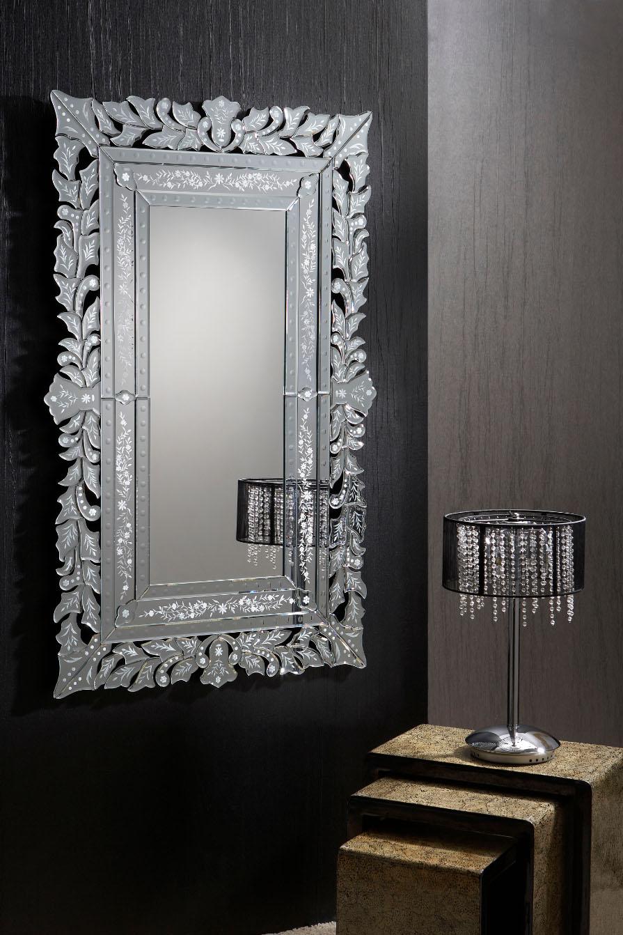 Espejos venecianos piezas decorativas villalba interiorismo for Espejos decorativos marco de madera