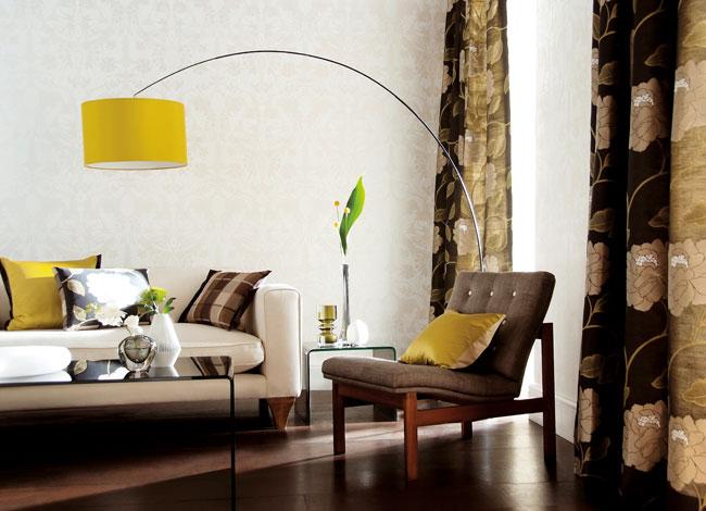 Pantalla de lámpara en amarillo - Villalba Interiorismo