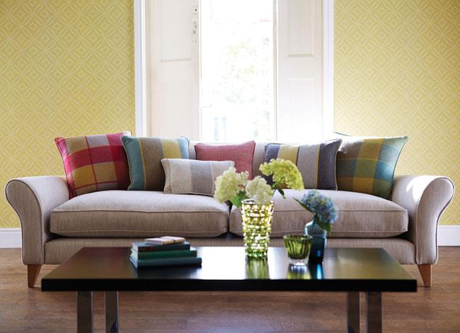 5 ideas para decorar en amarillo el sal n villalba for Papel pintado para salones modernos