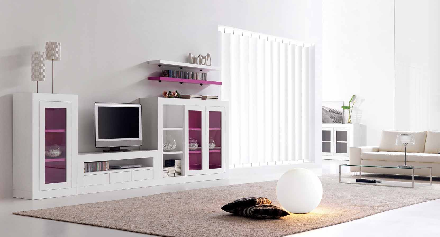 C mo decorar el sal n con ideas y detalle en fucsia for Ideas de muebles