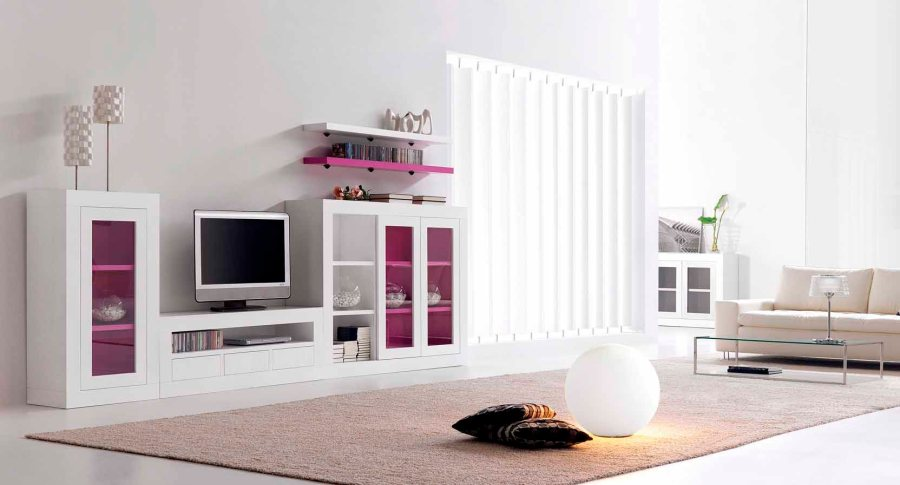 C mo decorar el sal n con ideas y detalle en fucsia for Muebles anticrisis villalba