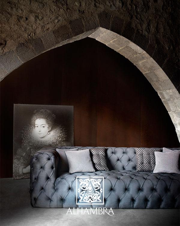 Sofá con tapicería de Alhambra  (2)- Villalba Interiorismo