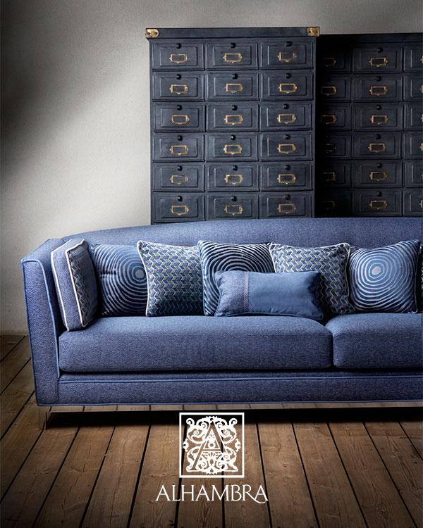 Sofá con tapicería de Alhambra  - Villalba Interiorismo