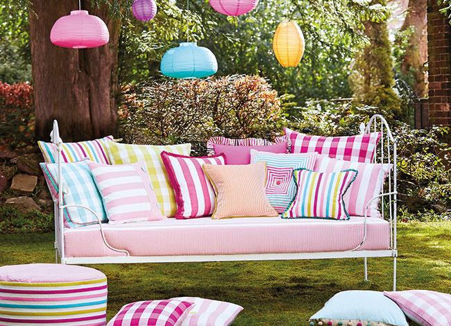Ideas de zonas de relax en terrazas y jardines villalba - Cojines para jardin ...