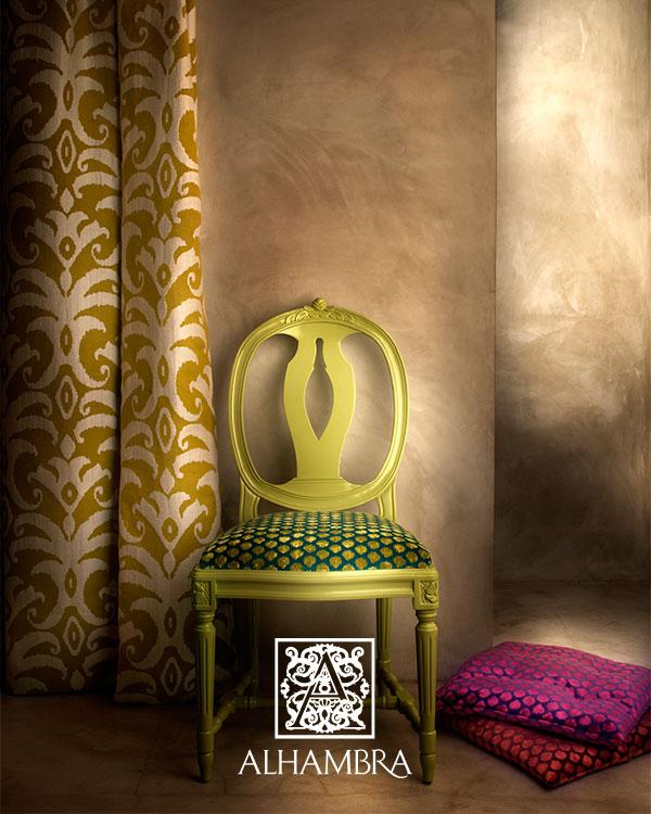 Cortina y tapicería con telas del catálogo de Alhambra - Villalba Interiorismo