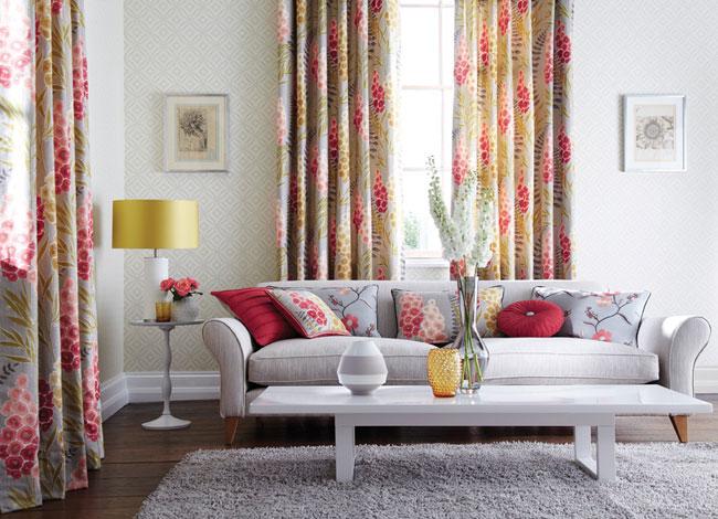 Cortinas estampadas de flores - Villalba Interiorismo