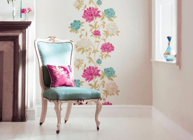 Papel con estampado flores - Villalba Interiorismo