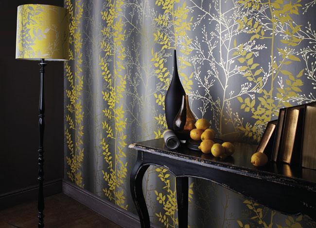 Papel pintado color gris con amarillo - Villalba Interiorismo