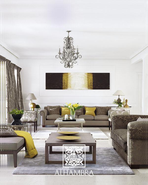 Salón gris con amarillo - Villalba Interiorismo