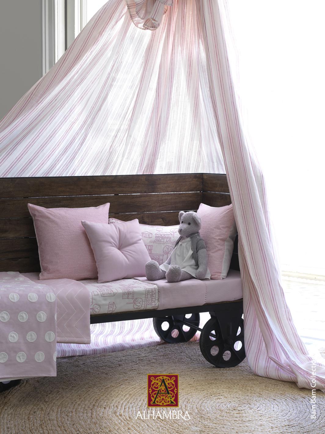 Camas con dosel para princesas villalba interiorismo - Dosel cama nina ...
