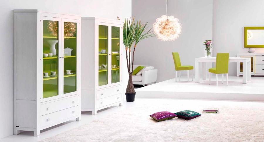 Comedor con detalles en verde - Villalba Interiorismo