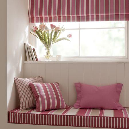 Ideas de decoraci n para debajo de la ventana villalba - Cortinas encima de radiadores ...