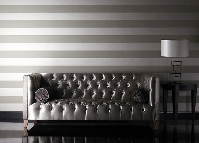Decorar el sal n con papel pintado a rayas horizontales - Papel de pared gris ...