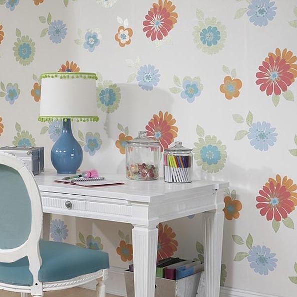 Ppael pintado juvenil a flores - Villalba Interiorismo