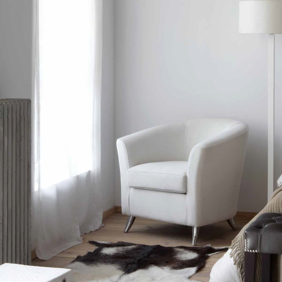 Sencillamente blanco villalba interiorismo - Sillon para dormitorio ...