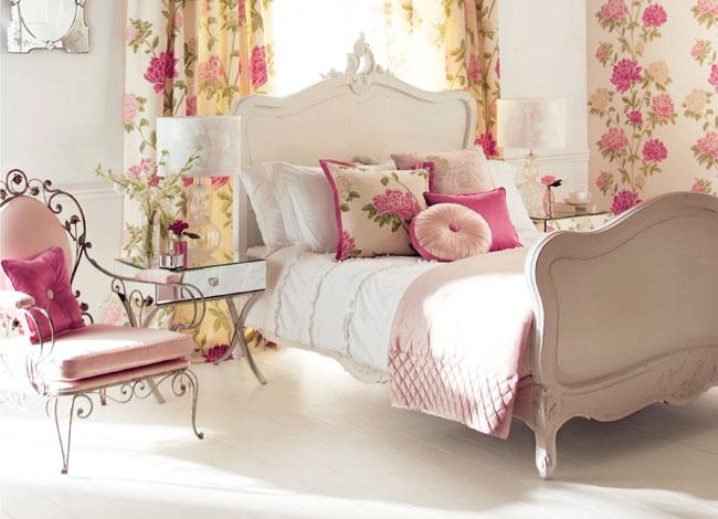 Dormitorio con flores - Villalba Interiorismo