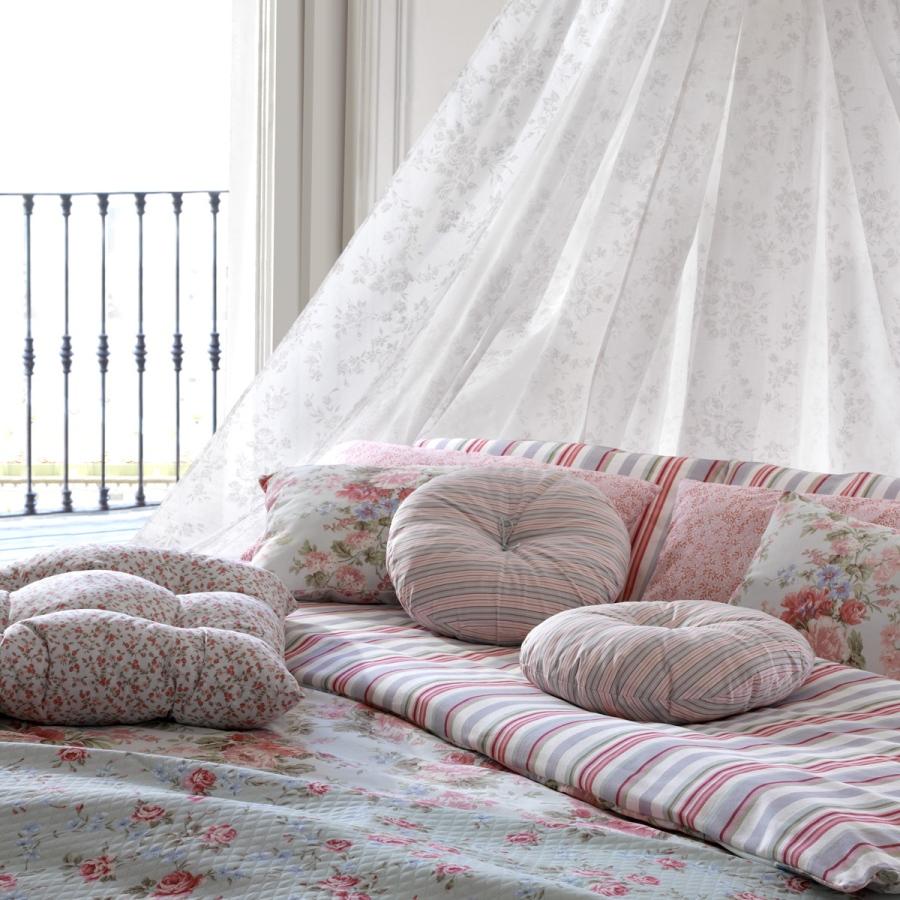 Dormitorio romántico con flores - Villalba Interiorismo