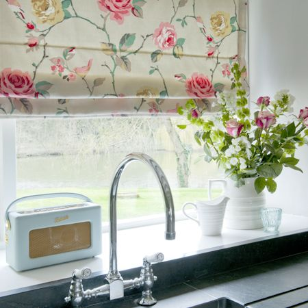 Ambientes con telas de flores y en rosa villalba for Telas de cocina