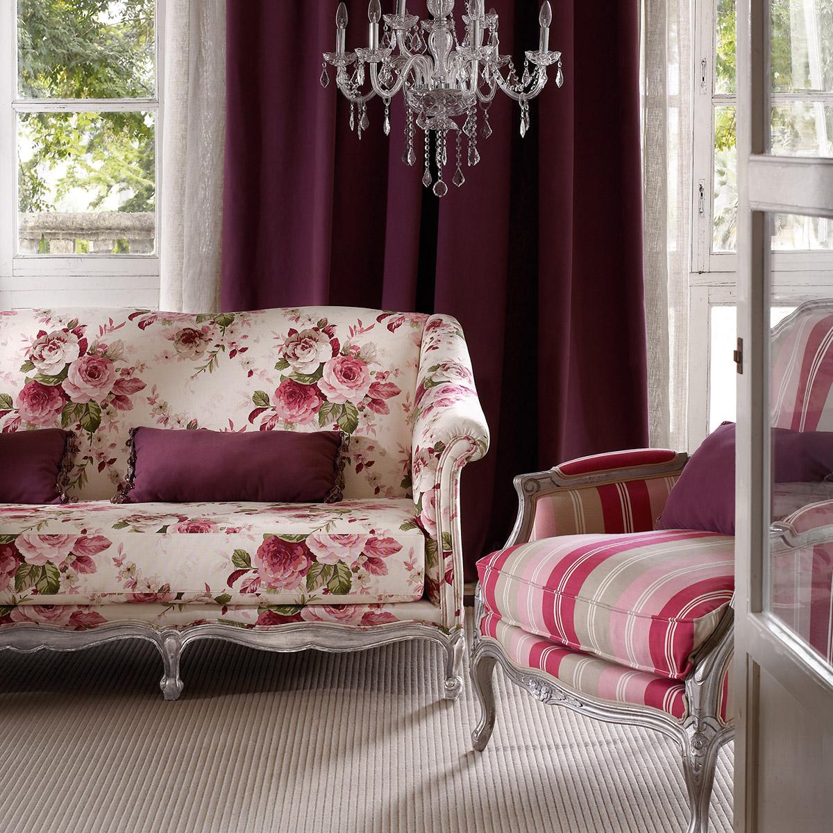 Ambientes con telas de flores y en rosa villalba for Telas cortinas salon