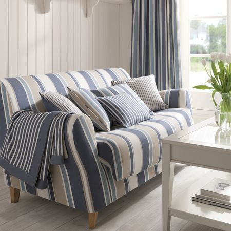 Ideas para la decoraci n estilo marinero villalba for Muebles pintados a rayas