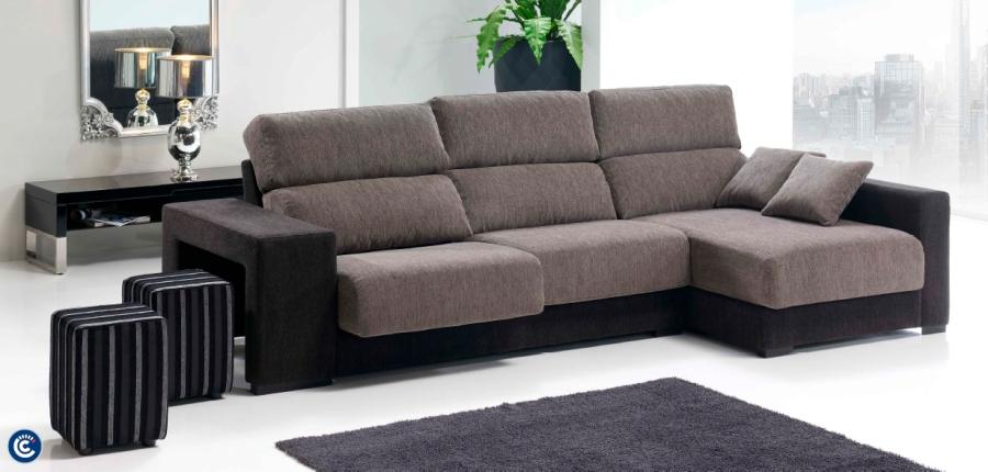 Sofá con chaise longue - Villalba Interiorismo