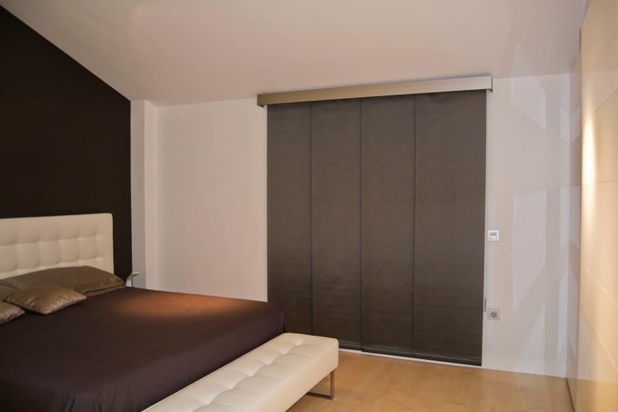 Dormitorio con panel japonés - Villalba Interiorismo