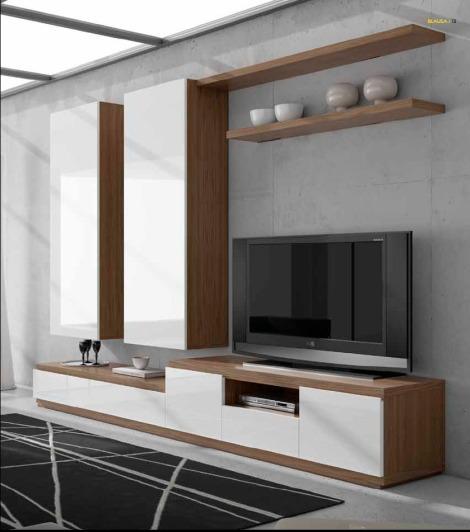 composición de mueble, el lacado que refleja la luz, y la madera