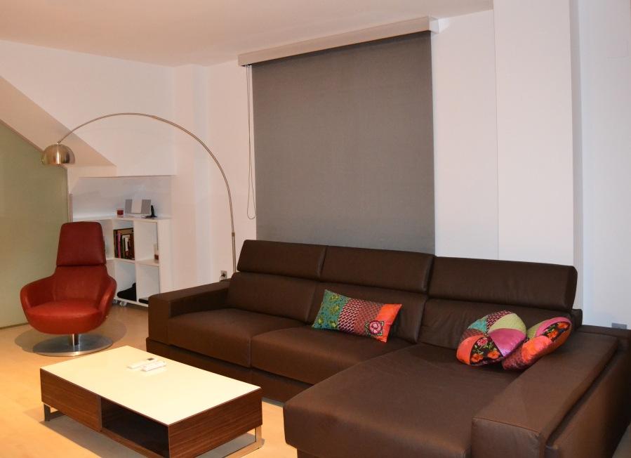 Salón con enrollable - Villalba Interiorismo