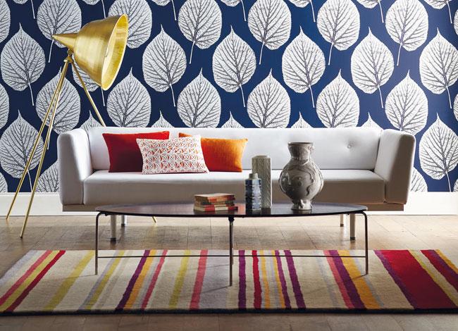 Salón papel pintado y alfombra - Villalba Interiorismo