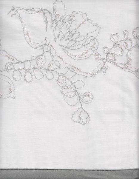 Detalle bordado juego sábanas Yvett de Bassols - Villalba Interiorismo