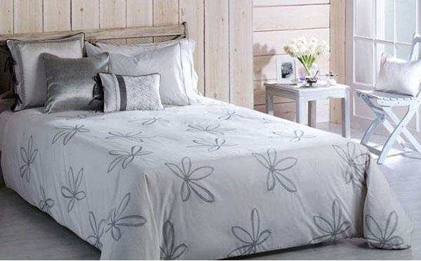 La ropa de cama blanca de bassols villalba interiorismo - Funda nordica blanca ...
