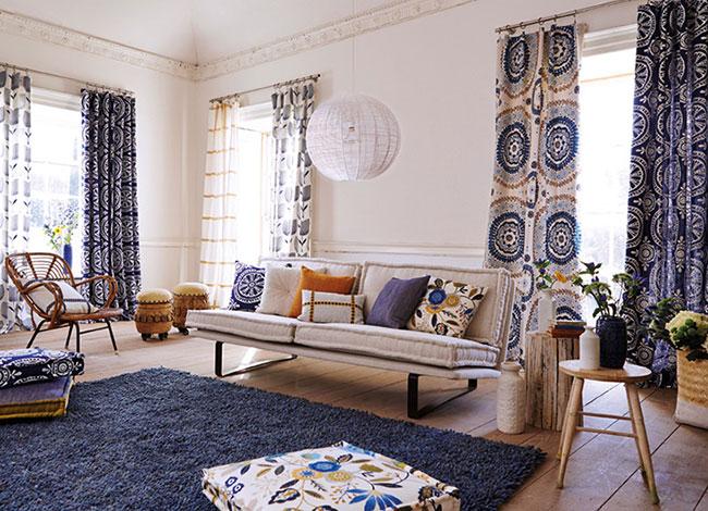 Salón con telas de Harlequin - Villalba Interiorismo