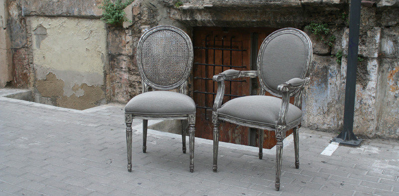 Sillas con mucho estilo villalba interiorismo for Sillas respaldo tapizado