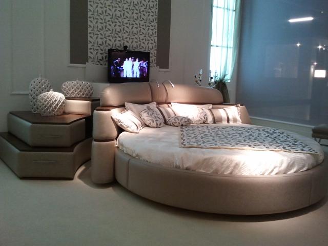 cama-redonda-tv-tecninova-2-villalba-interiorismo
