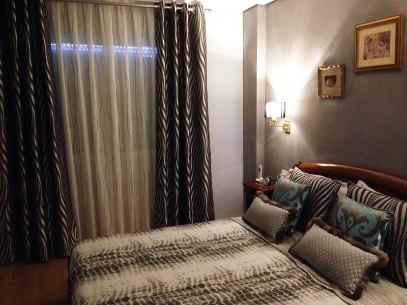 Dobles cortinas para habitación - Villalba Interiorismo