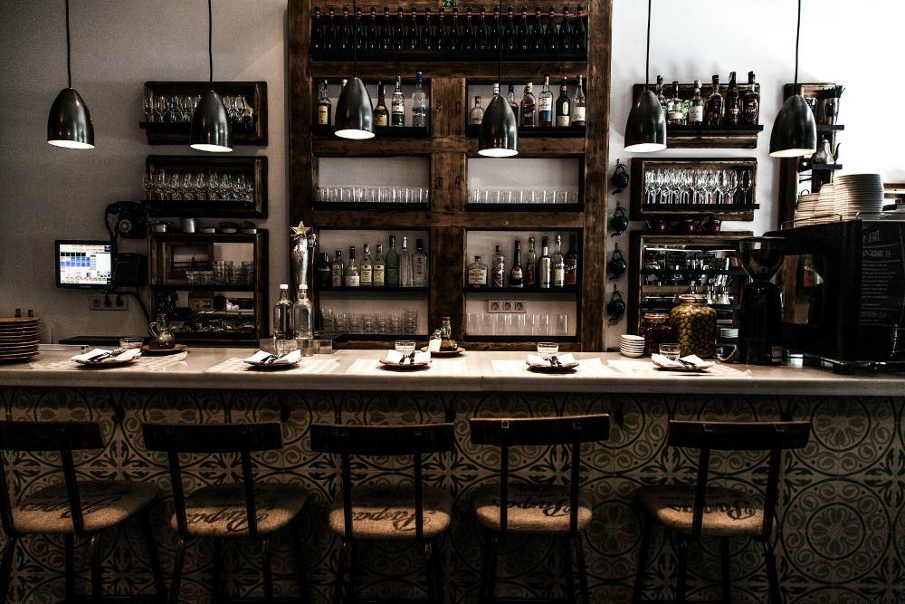 Experiencia suculent villalba interiorismo for Interiorismo restaurantes