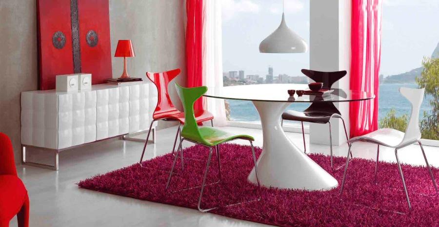 Salón con detalles rojos - Villaba Interiorismo