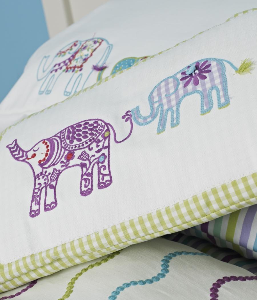 Tela bordada elefantes de Coordonné - Villalba Interiorismo