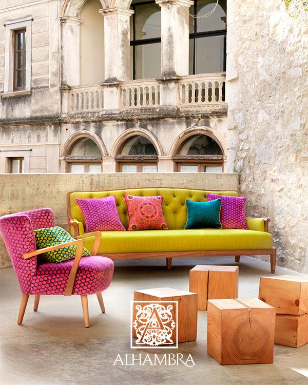 4 atrevidas combinaciones de tapicer as de sillones y - Telas para tapizar sillas de salon ...