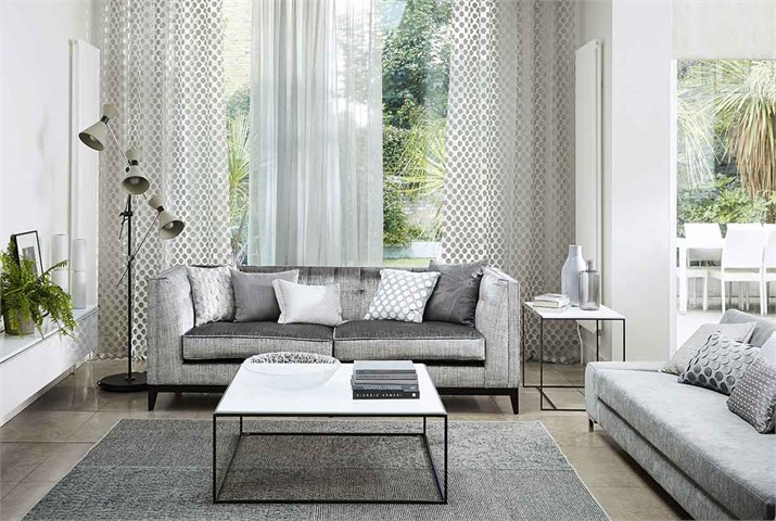 Dobles cortinas para conseguir ambientes elegantes for Cortinas lisas para salon