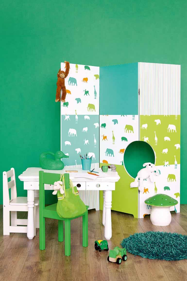 Alegres papeles pintados en verde para los peques - Papel pintado armario ...