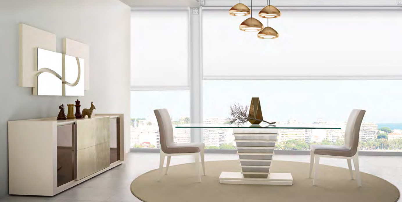 7 mesas modernas de cristal protagonistas del comedor for Adornos mesa comedor cristal