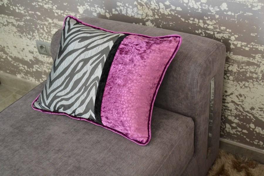 Cojín para sofá gris - Villalba Interiorismo (2)